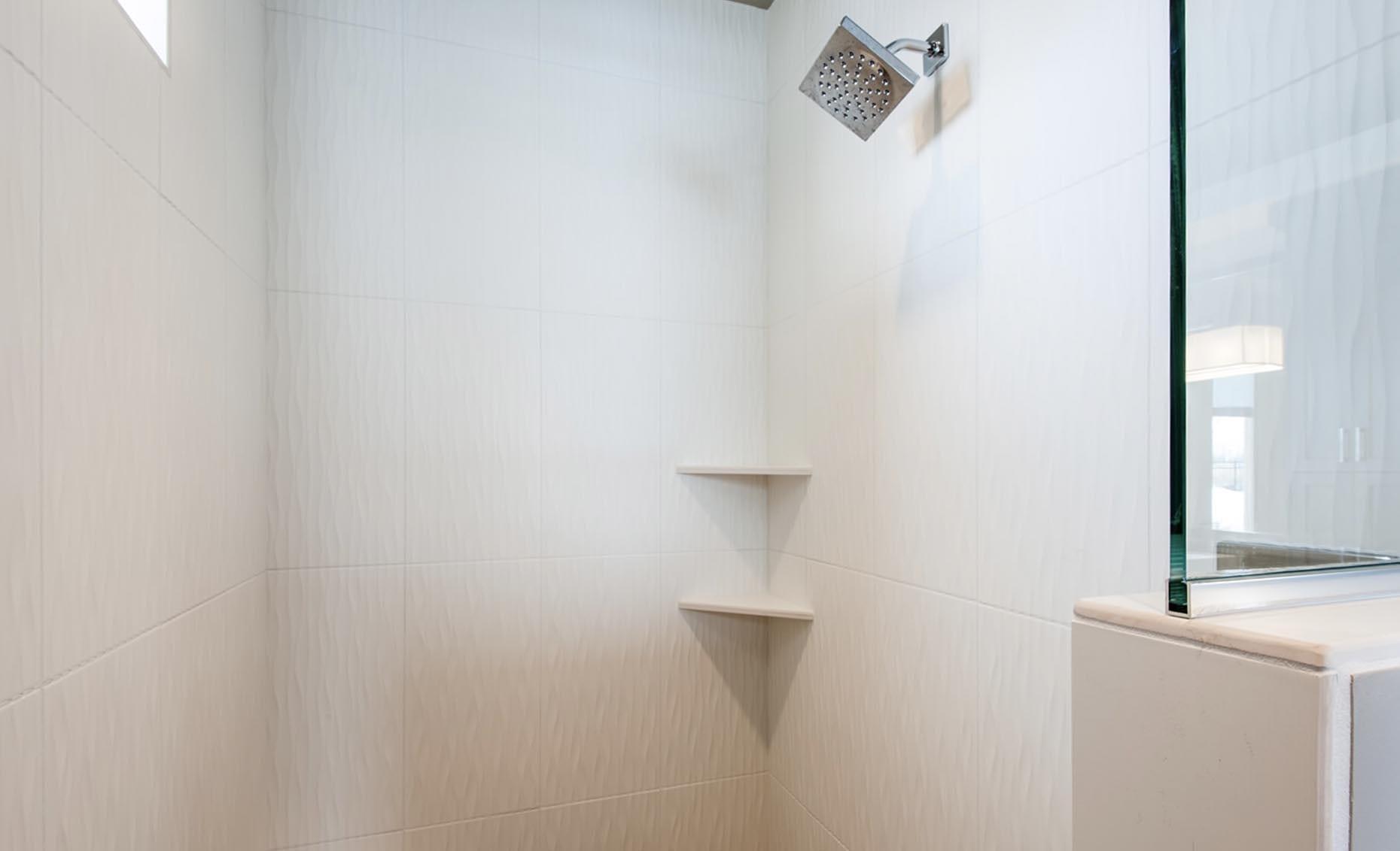 The Corrente Bello House Master Bathroom Shower