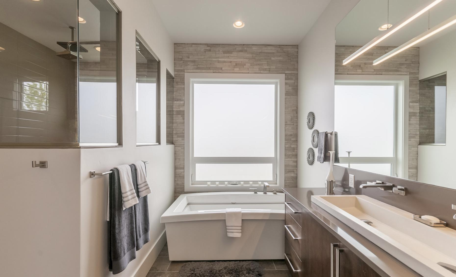 The Salmon Falls House Master Bathroom