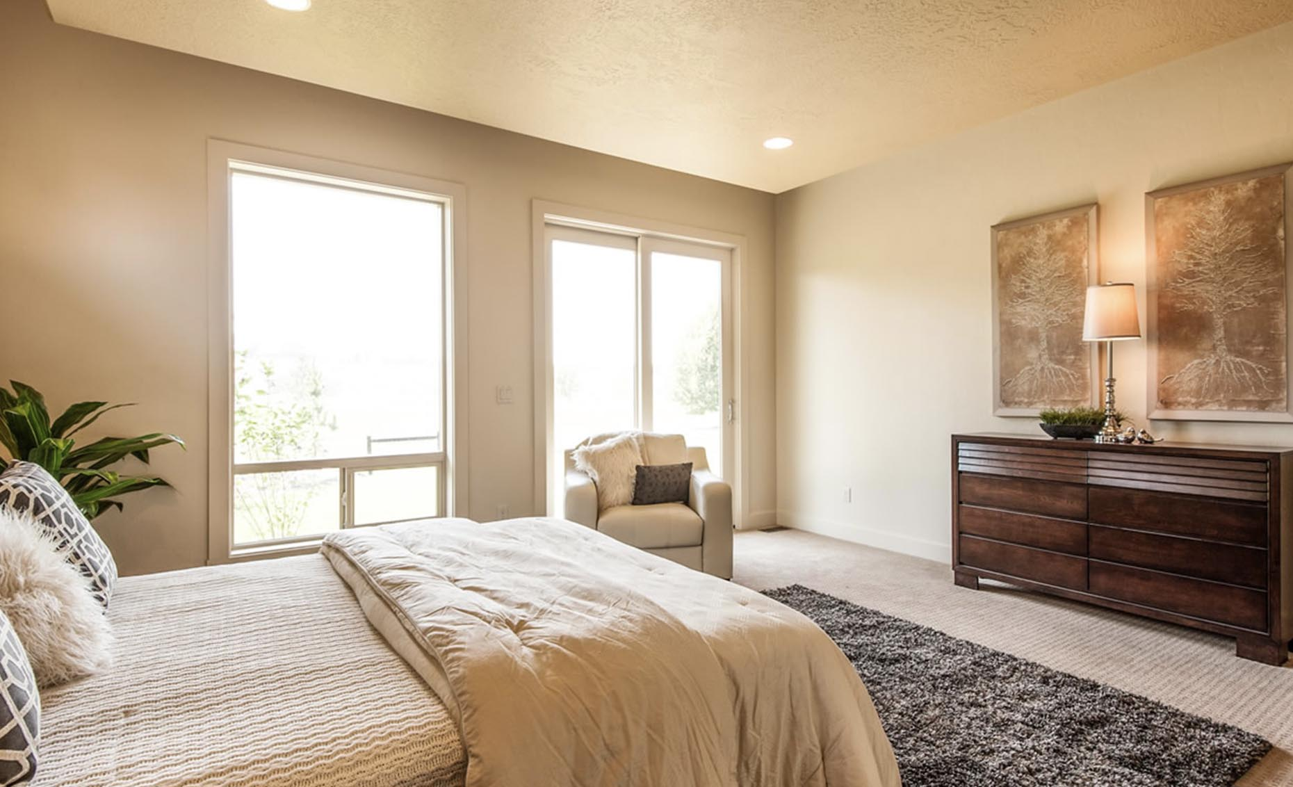 The Contemporary House Guest Bedroom