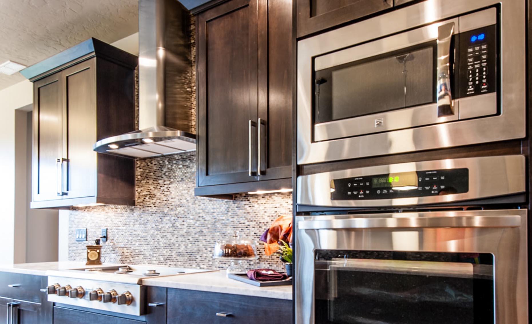 The Braveland House Kitchen Appliances