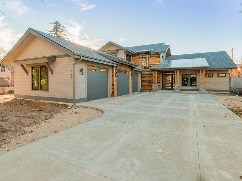 2105 House